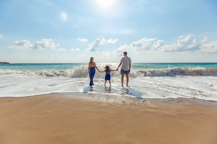 visiting beach as a family to help your kids adjust